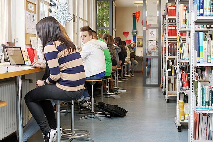 BS - Wirtschaftsgymnasium / Wirtschaftsmittelschule